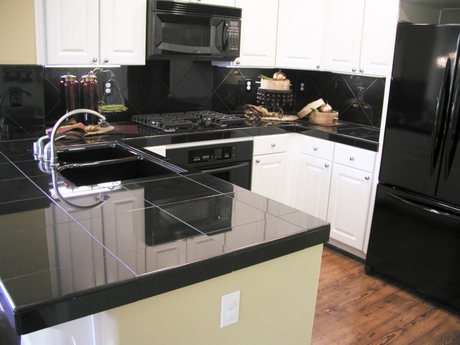 wood effect porcelain tiles in kitchen