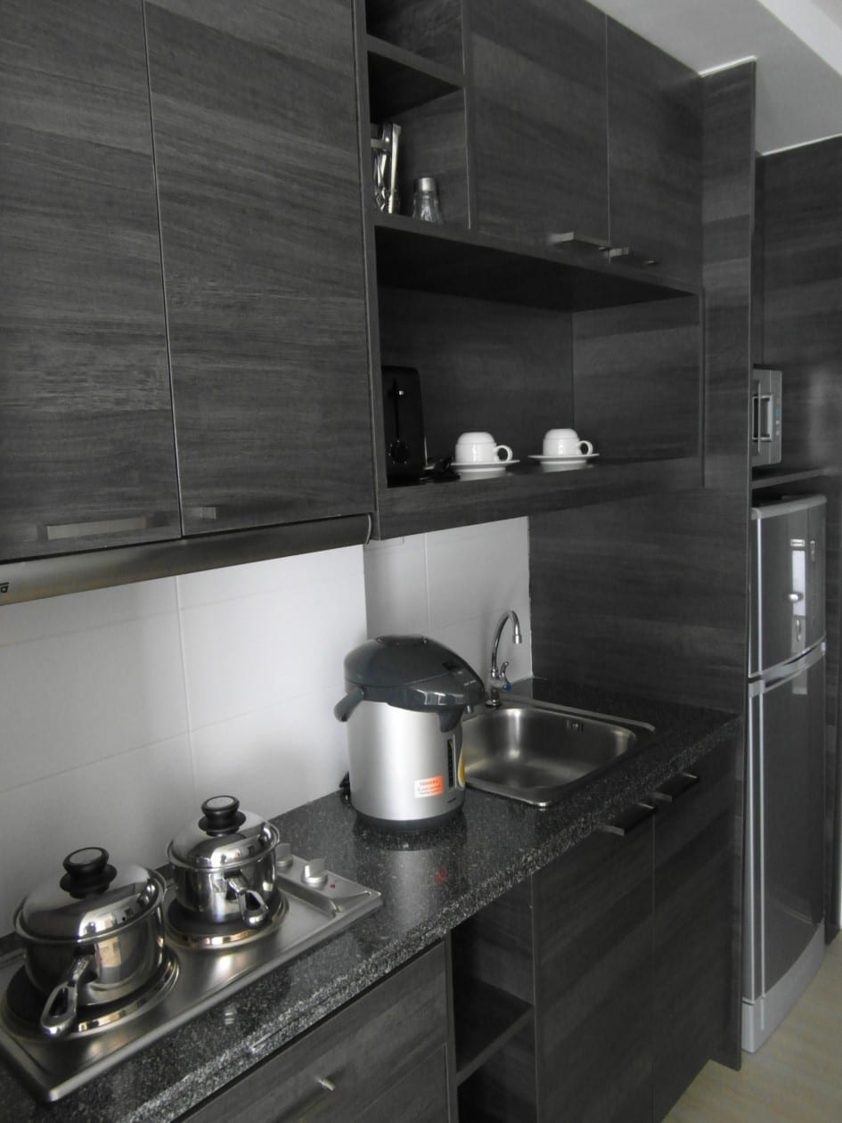 small but chic kitchen
